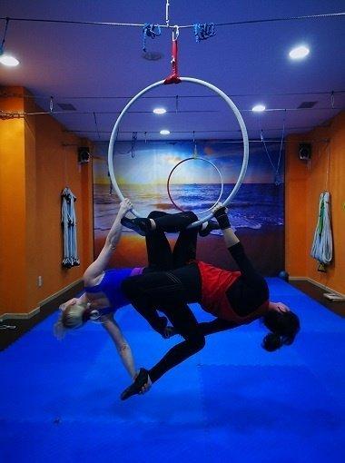 Acrobacias con aro en Zaragoza - Centro Daniela Goitre